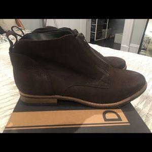Flat Diba brown ankle booties